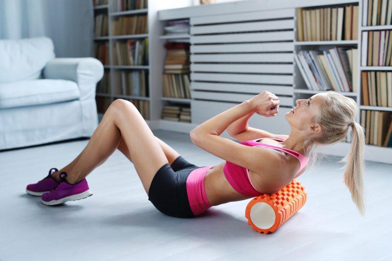 En foam roller gør musklerne klar igen