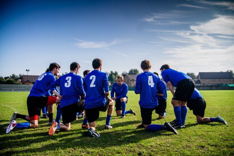 I provinsbyerne er idrætsklubber meget mere end bare sport